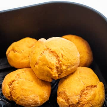Air Fryer Sweet Potato Rolls Recipe for Buns, Bread with No Yeast | AirFryerWorld.com