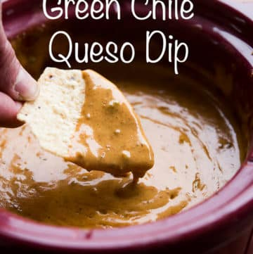 Slow Cooker Green Chile Queso Dip Recipe is Amazing! | @bestrecipebox